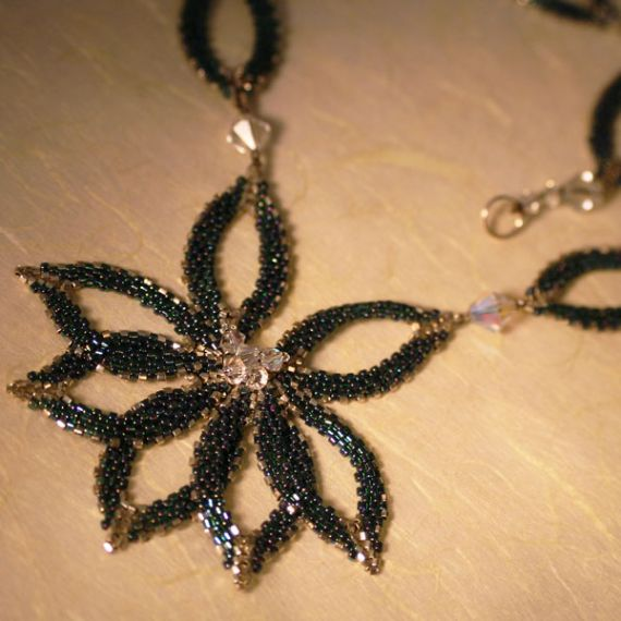 Leaves of Excellence Green Necklace